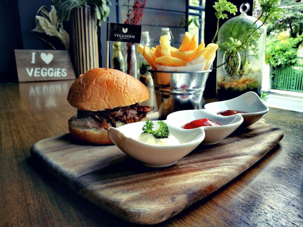 Burger from Vegan Bangkok Restaurant Veganerie