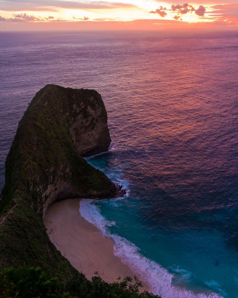 Sunset at Kelingking beach