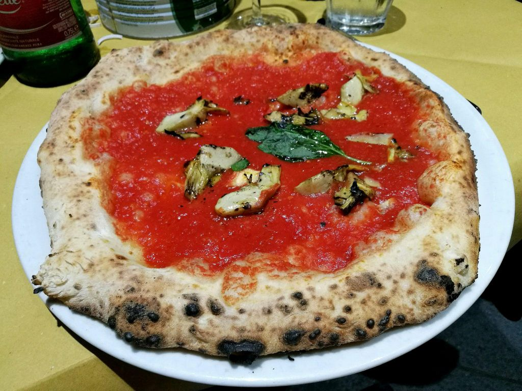 pizza marinara in Italy one of the best countries for vegans